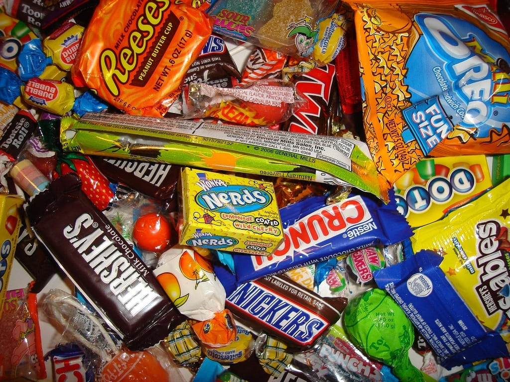 the halloween candy dilemma - happy healthy mama
