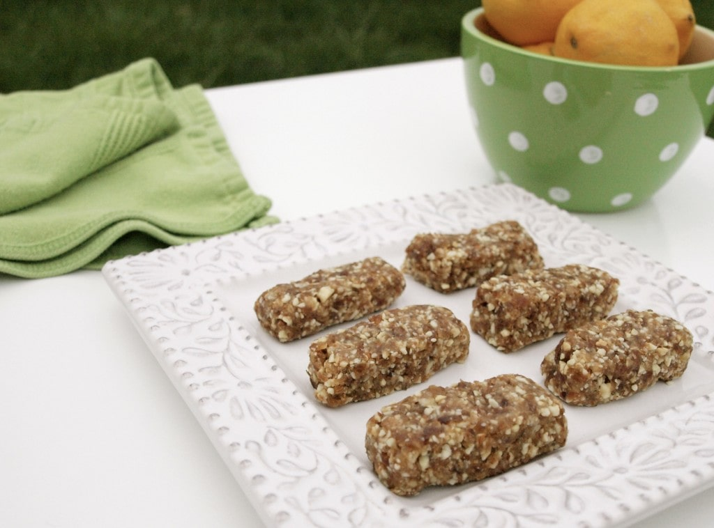 No bake Lemony Snack Bars. These are a perfect healthy snack idea!