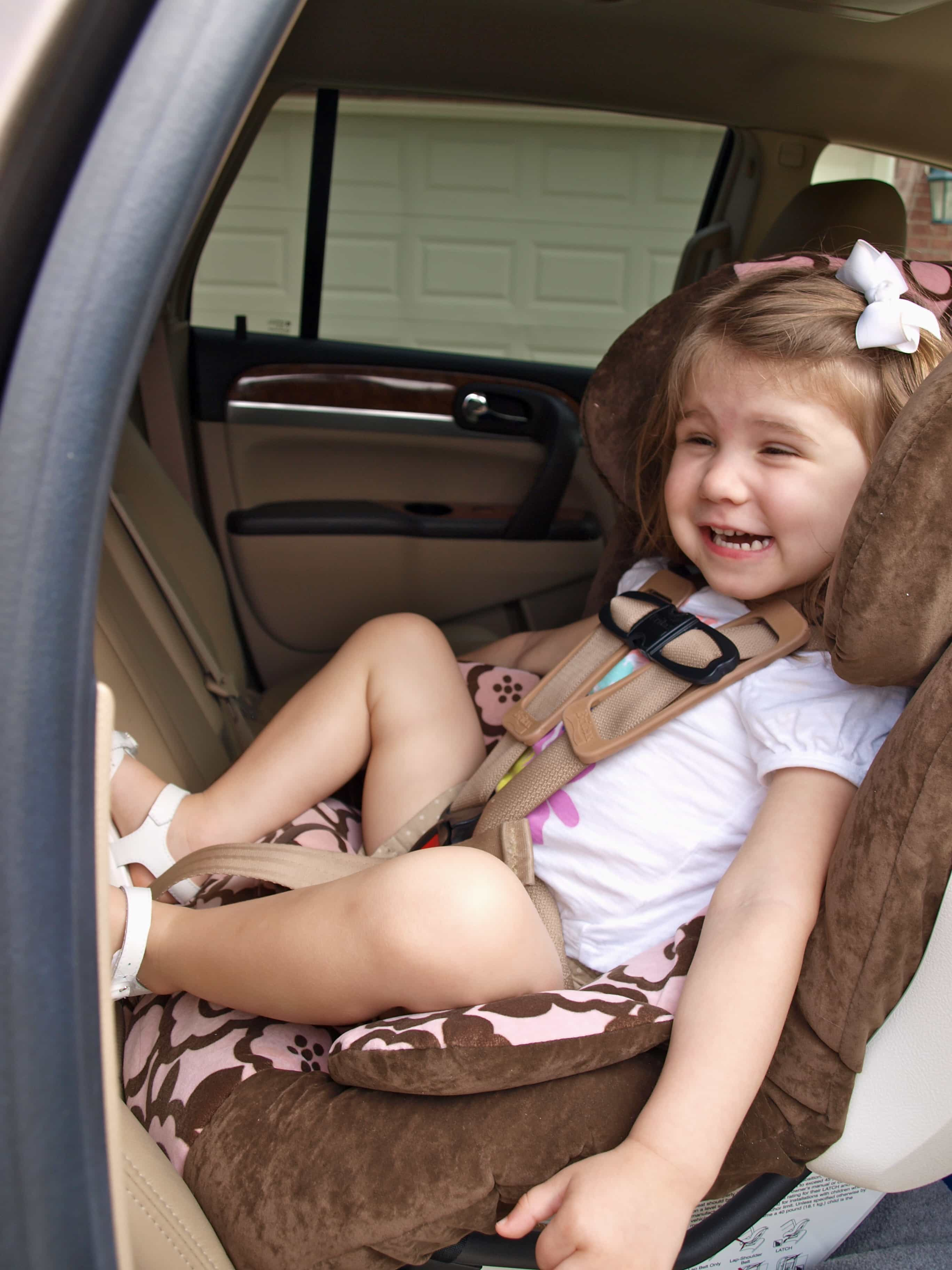 Extended rear-facing:  when to turn the car seat around?