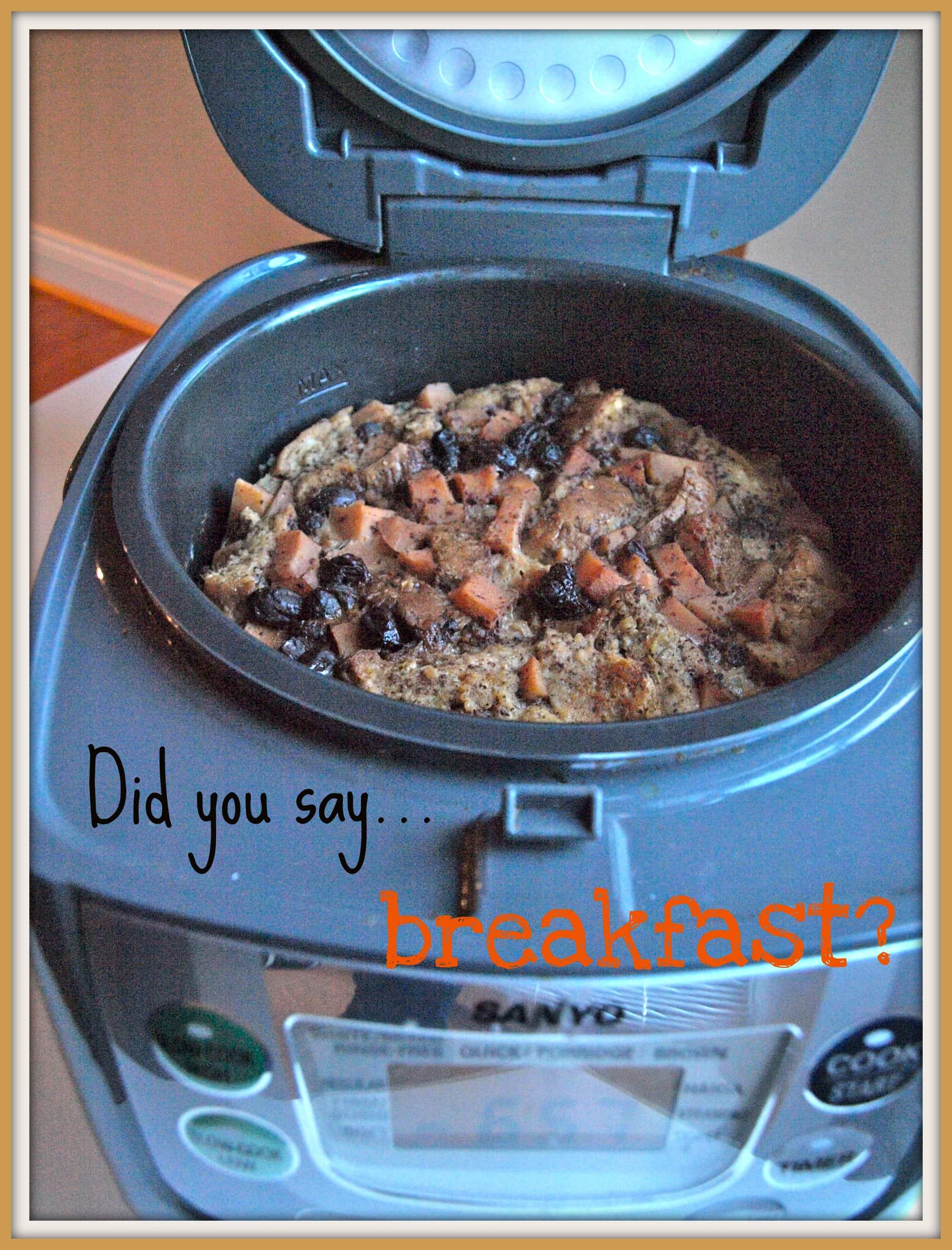 Crockpot apple cinnamon bread pudding - Happy Healthy Mama