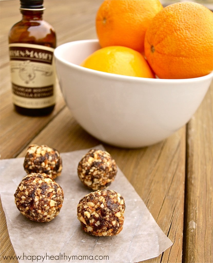 orange almond energy balls. No bake, perfect healthy snack ready in 10 minutes!