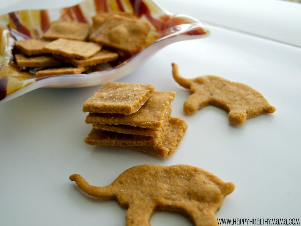 Easy homemade wheat thin crackers - Happy Healthy Mama