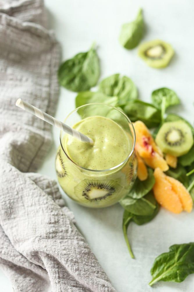 Peachy Kiwi Green Smoothie recipe with kiwi peaches coconut milk