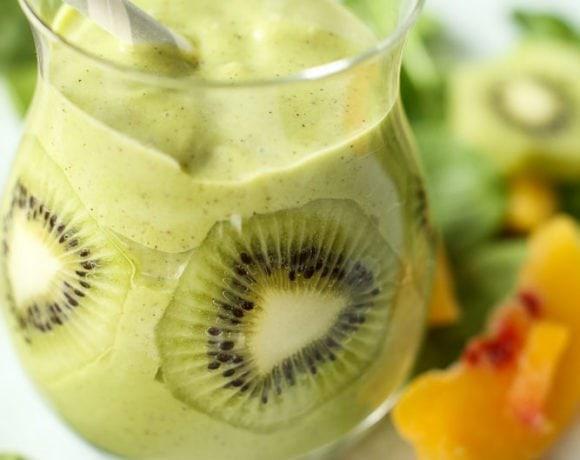 Peach Kiwi Green Smoothie