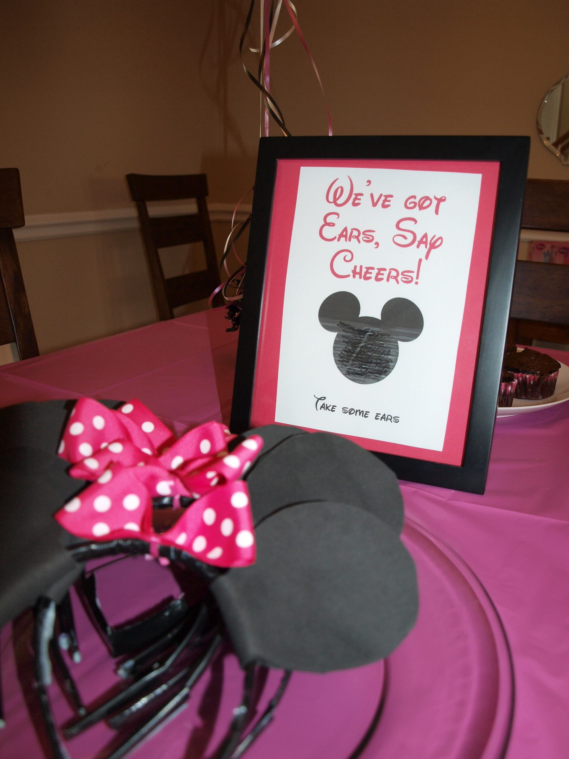 Minnie Mouse Shaped Invitations for adorable invitations design