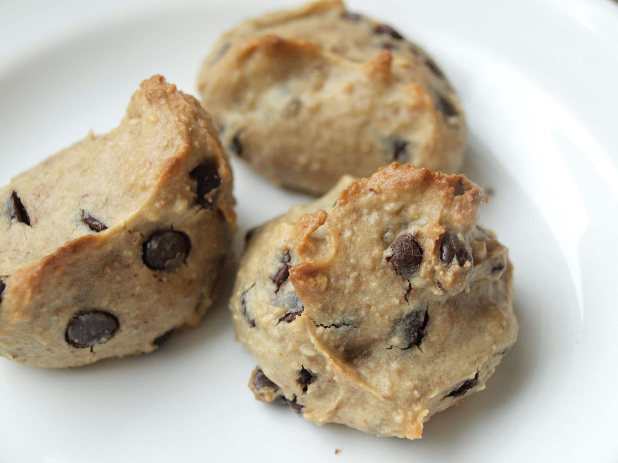 -free Peanut Butter Chocolate Chip Cookies--a healthy vegan cookie ...