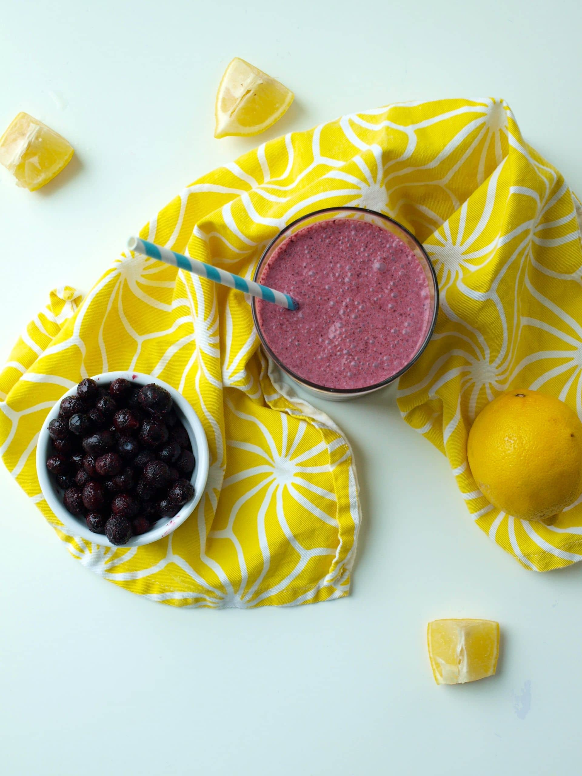 Skinny Blueberry Lemon Smoothie - Happy Healthy Mama
