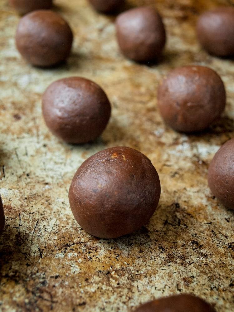 Easy recipe peanut butter chocolate balls