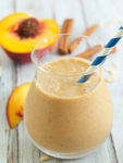 Healthy Peach Crisp Smoothie--tastes just like peach crisp in smoothie form!
