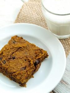 Healthy Pumpkin Chocolate Chip Cookie Bars