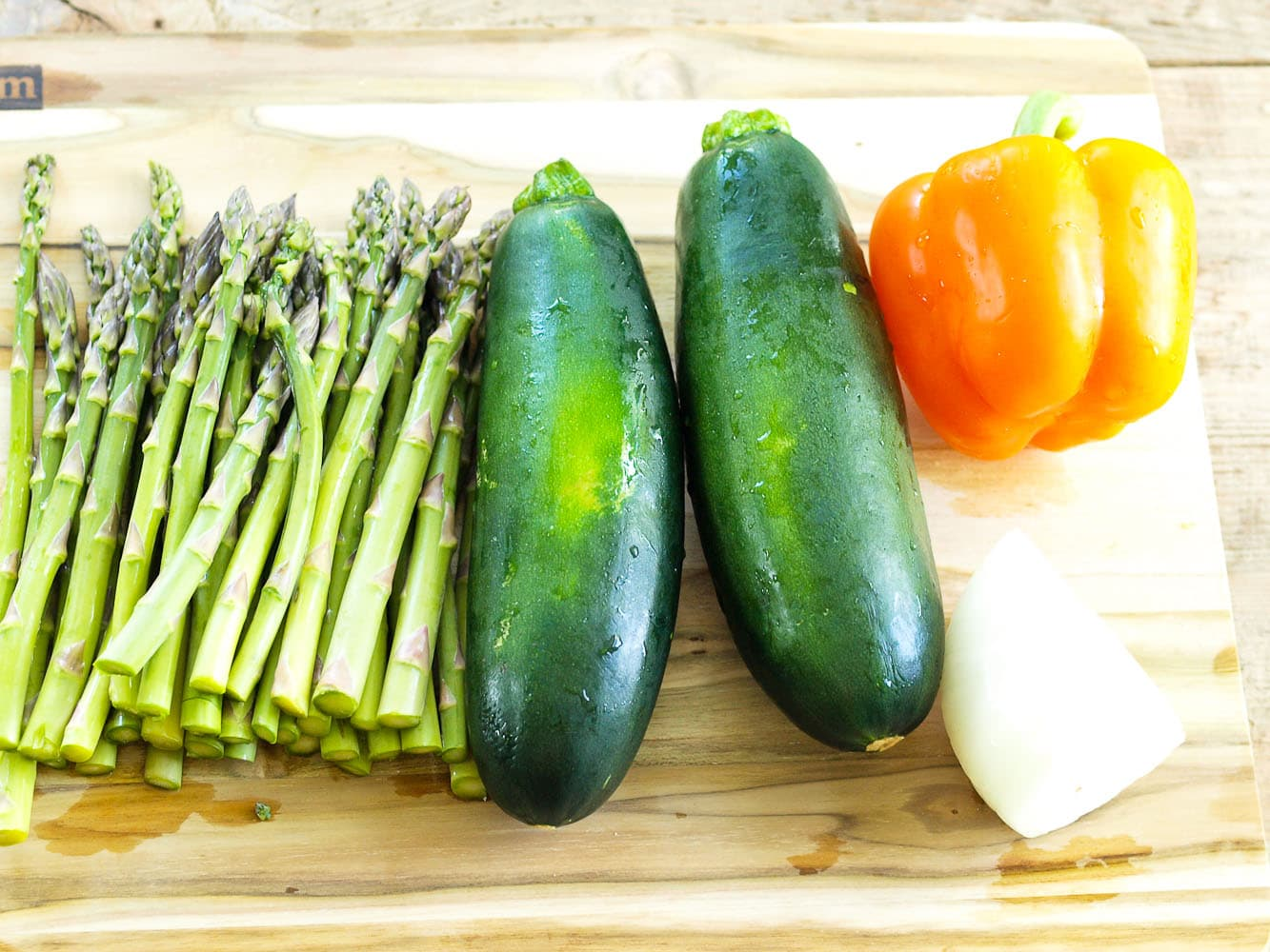 Grilled Vegetables with Pasta recipe. This is an easy vegetarian dinner recipe that uses delicious grilled vegetables! Quick, easy, and healthy meal idea!