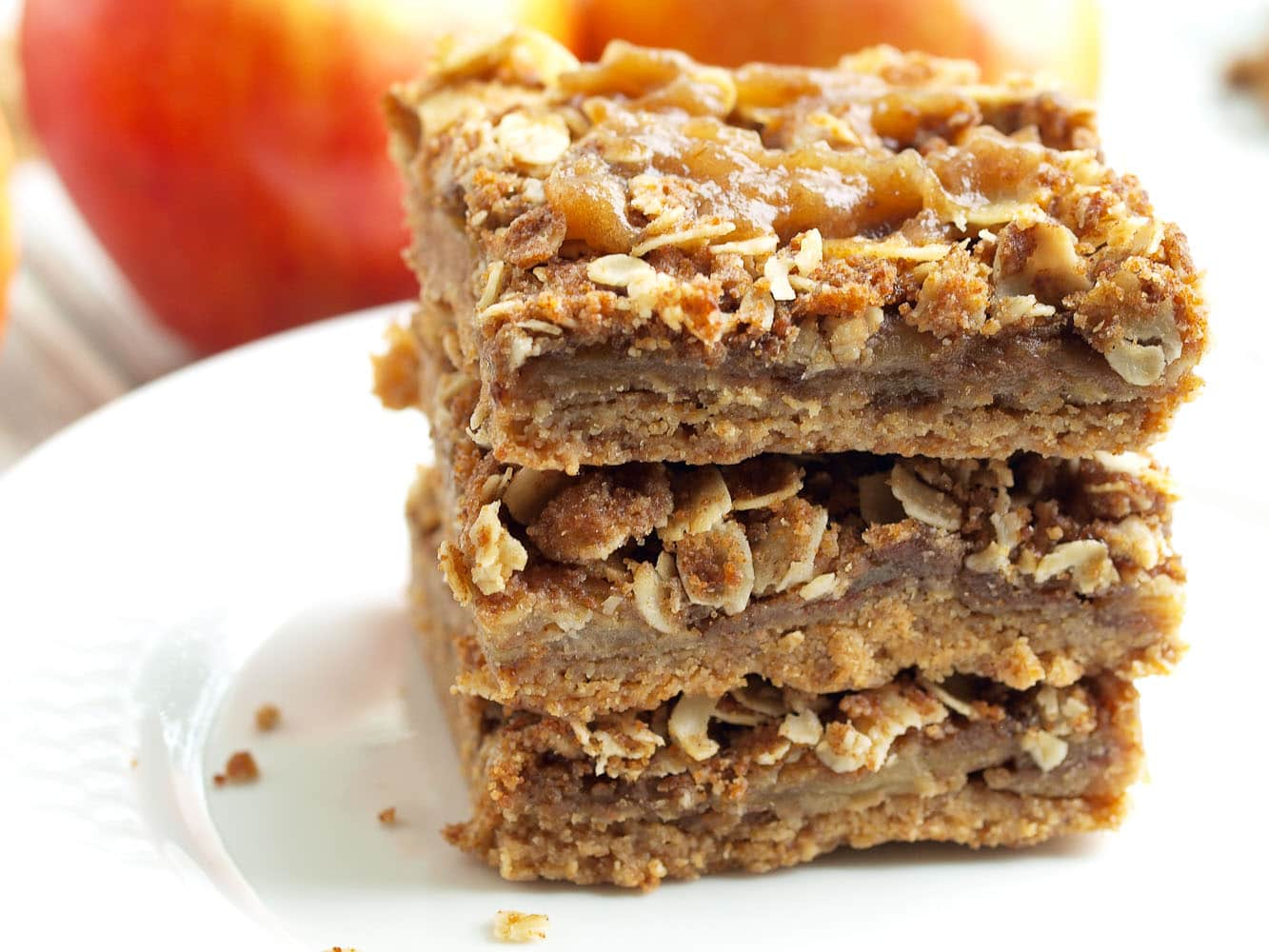 Vegan salted caramel apple pie bars happy healthy mama for Easy apple dessert recipes with few ingredients