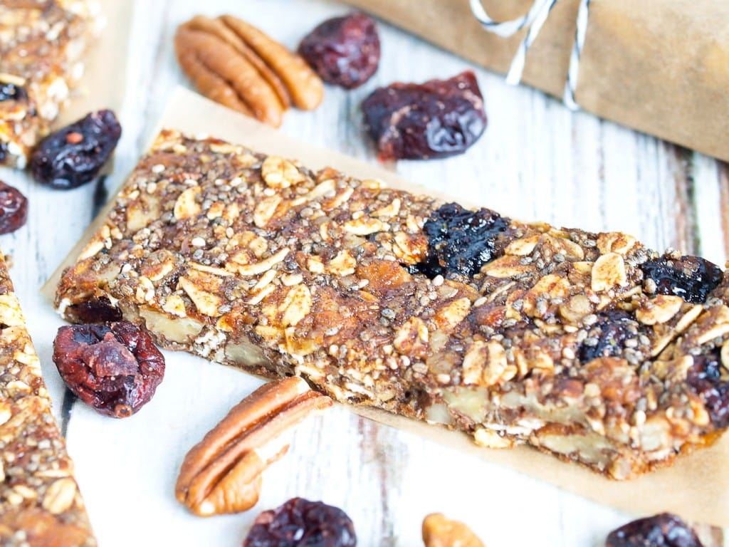 Pecan Cranberry Granola Bar Recipe--These healthy homemade granola ...