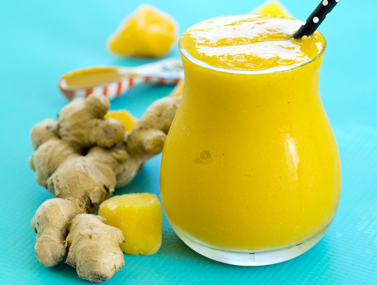 Anti-inflammatory turmeric smoothie recipe
