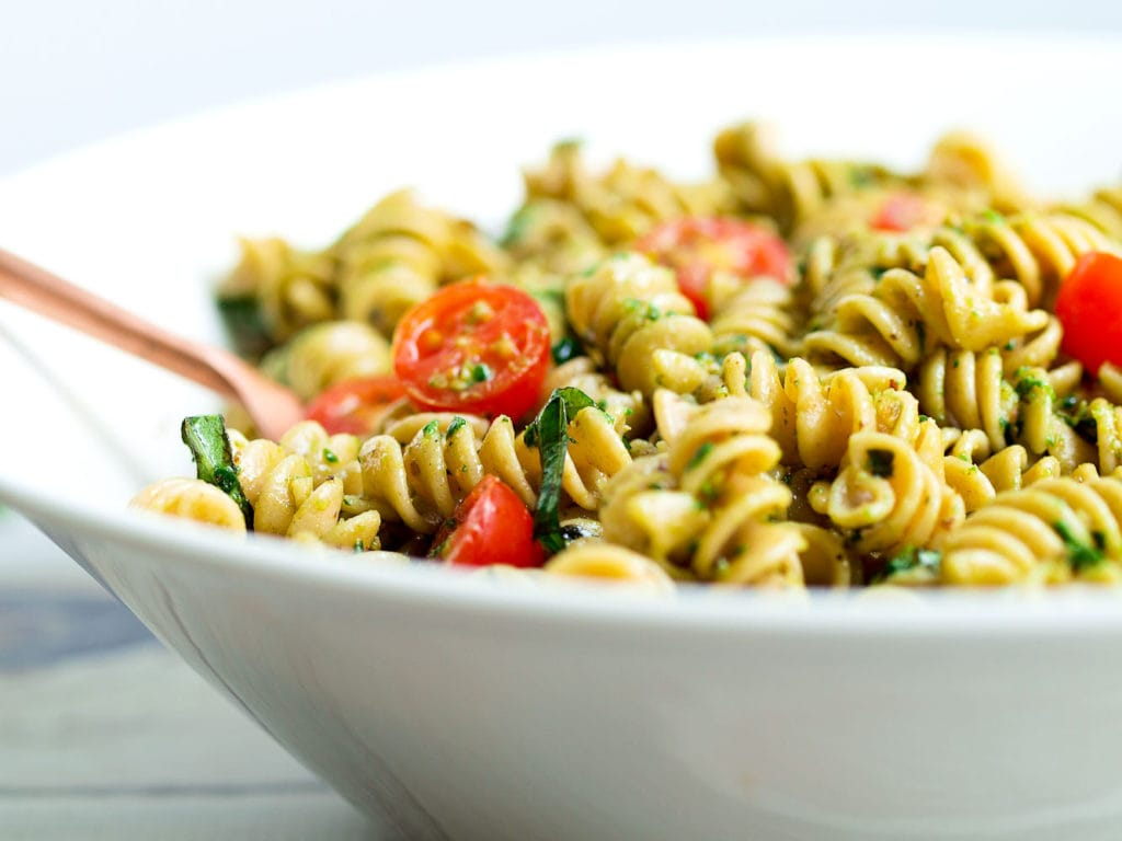 Pasta salad CAN be healthy! This Pesto Pasta Salad recipe is one of ...