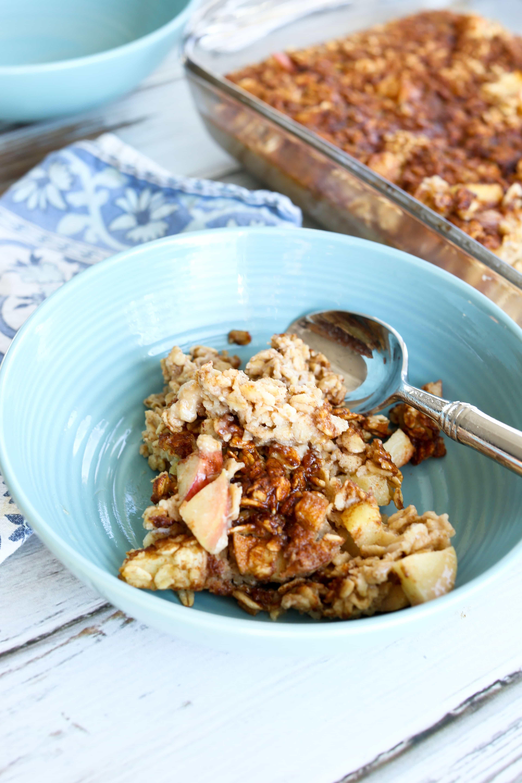 Apple Cinnamon Baked Oatmeal - Happy Healthy Mama
