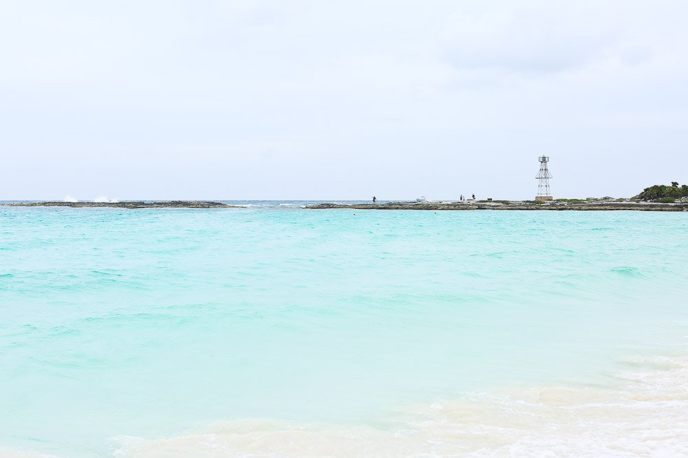 gorgeous picture of the ocean club med cancun yucatan