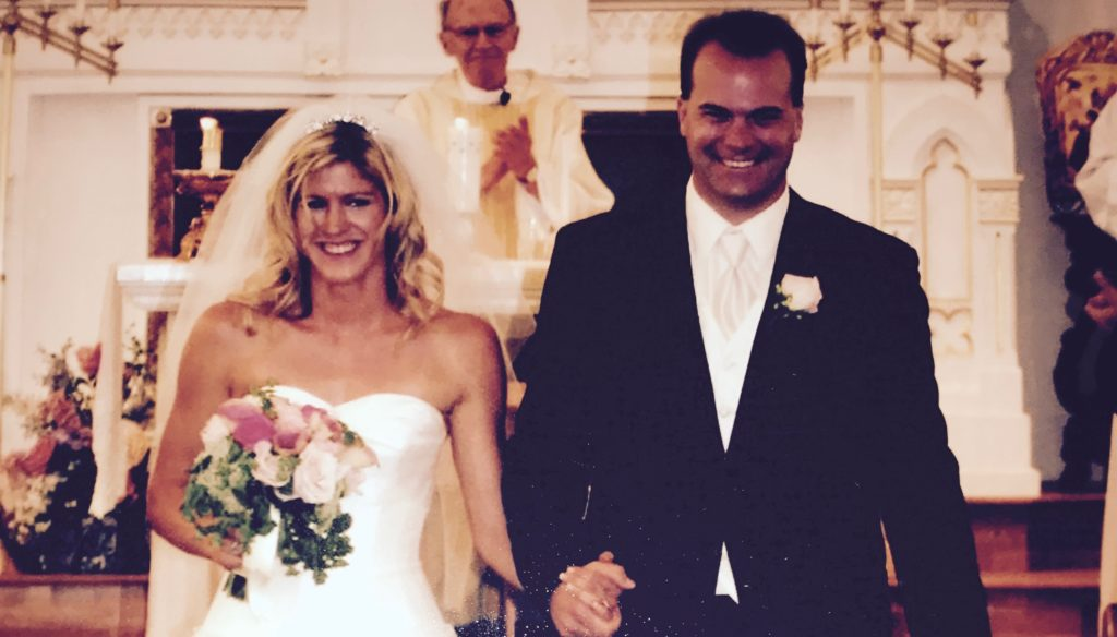 New bride and groom, smiling and happy--how not to lose yourself in motherhood
