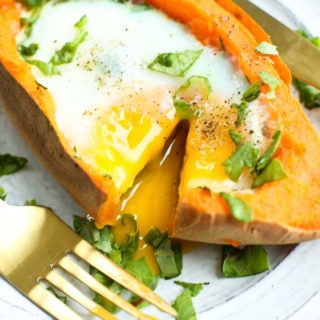 Baked Eggs and Spinach in Sweet Potato Boats