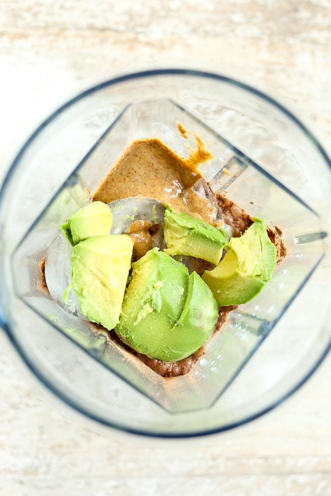 Avocado Smoothie Bowl ingredients in blender recipe #healthyrecipe #smoothies #smoothie #smoothiebowl #avocadosmoothie #avocado #healthybreakfast #breakfast #summer
